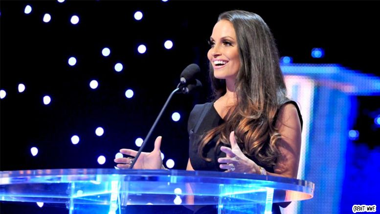 trish stratus, baby, birth, kid, pregnant, wrestling, wwe