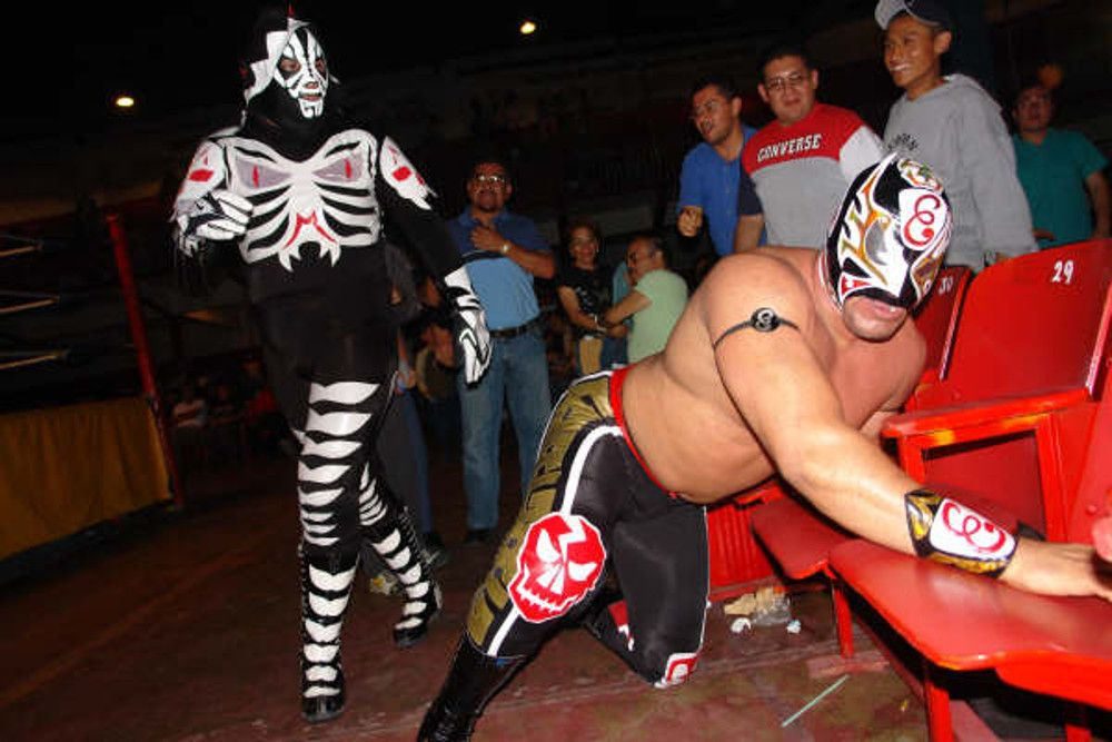 la parka mask thief robbery circle k