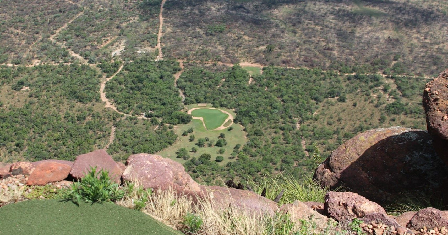 The 10 Most Difficult And 10 Easiest Golf Holes In The World