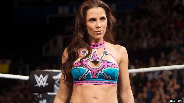 mickie james injured acl wwe