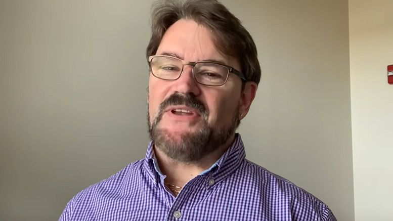 tony schiavone aew announce team announcer commentary deal