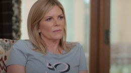 Kathy Laurinaitis bella twins mom mother brain surgery total divas bellas